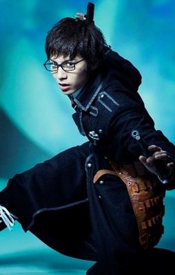 奥村雪男役:宮崎秋人 (C)2017加藤和恵/集英社・舞台「青の祓魔師」プロジェクト