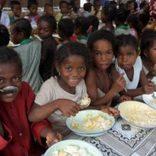 1万人の子どもたちに1年間の応援を   「ふなっしー」ら著名人も協力