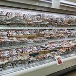 【話題騒然】「チョコモナカジャンボに征服されたスーパー」がTwitterで猛烈に拡散中 → 真意をスーパーに聞いてみた結果