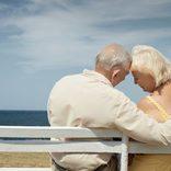 芸能界で増加する「熟年結婚」と「年上女優交際」