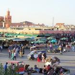 モロッコの無形文化遺産、夜ごとお祭り騒ぎが繰り広げられるマラケシュ・フナ広場の一日