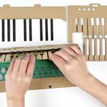 MIDIでも単体でも楽しめます。段ボールでDIYするキーボード「KAMI-OTO」