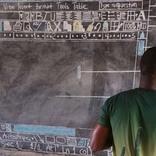 黒板にぎっしりと描かれていたものの正体 世界中の人々をハッとさせる