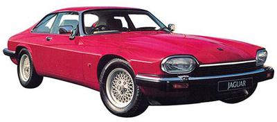 【ジャガー XJ-Sクーペ(初代)】搭載されるエンジンは、古き良き時代の産物である284psの5.3LのV12SOHC。独特な背の低いプロポーション、ウッドと革で仕上げられた豪奢なインテリア、ハイパフォーマンスなエンジン、粘りつくハンドリングなど、これぞジャガー流スポーツの真骨頂といえるだろう。ミニマムサイズながら後席+2シータータイプとなる。駆動方式はFR