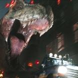 『AKIRA』金田バイクと『BTTF』デロリアンがデッドヒート!巨大鉄球やキングコングが襲いくる 『レディ・プレイヤー1』3分間映像