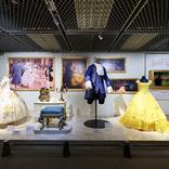 『ウォルト・ディズニー・アーカイブス展』レポート 実際に使用された美しい映画衣装の数々や、ウォルト・ディズニーの再現オフィスも