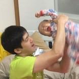 森渉、もうすぐ1歳になる娘の三半規管を鍛える! 「躍動感がすごい」の声
