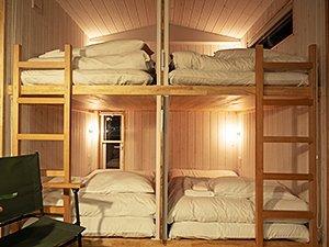 二段ベッドがふたつ備えられている