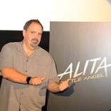 """『銃夢』実写映画化『アリータ:バトル・エンジェル』主人公の""""目""""はなぜ大きい? プロデューサーが実写化コンセプトを明かす"""