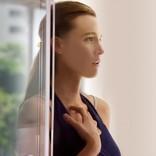 視力を取り戻し美しく変貌する妻…B・ライヴリー主演サスペンス9月公開