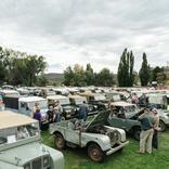 ランドローバーの70周年イベントが10月13日に白馬村で開催。メインイベントは村内を巡るパレード
