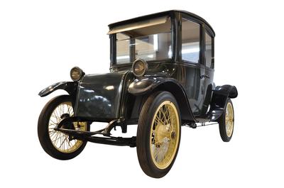 「ミルバーン電気自動車」 所蔵:国立科学博物館