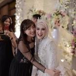 仲川遥香が出席、元JKT48メロディーの結婚式ショットに祝福の声「綺麗で輝いていますね!」