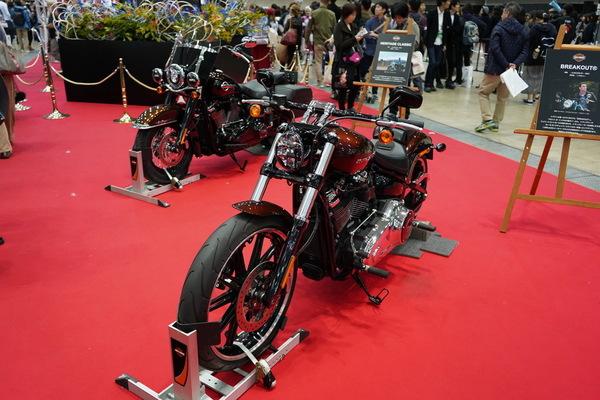 ハーレーダビッドソンブース・撮影使用と同型のバイク展示