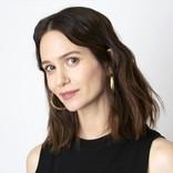 『ファンタビ』ティナ役キャサリン・ウォーターストンが実践する撮影前の儀式とは?