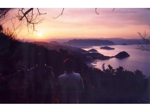 紫雲出山の頂上で初日の出
