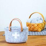ほっこりした素材感が魅力的。「羊毛フェルト」で作る肌寒い季節にピッタリの小物♡
