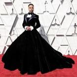 アカデミー賞で「ドレスを着た俳優」がレッドカーペットに登場