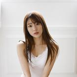 夢みるアドレセンス 志田友美、22歳のオトナな超美脚を堪能