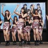 ふわふわ、ヘソ出しミニスカ衣装でオトナなパフォーマンスを見せる 新曲『Viva!! Lucky4☆』発売記念イベント