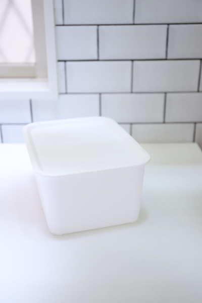 真っ白な収納アイテム その③フタ付プラボックス2