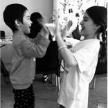 ケイティ・ホームズ&スリちゃん、ギリシャの難民キャンプで子供達と交流図る
