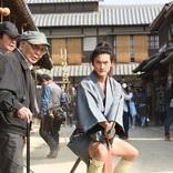 高良健吾の真面目すぎる姿に監督も感動、芸人たちに混じって稽古