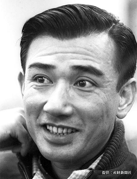 佐田啓二(俳優) 俳優・中井貴一の父