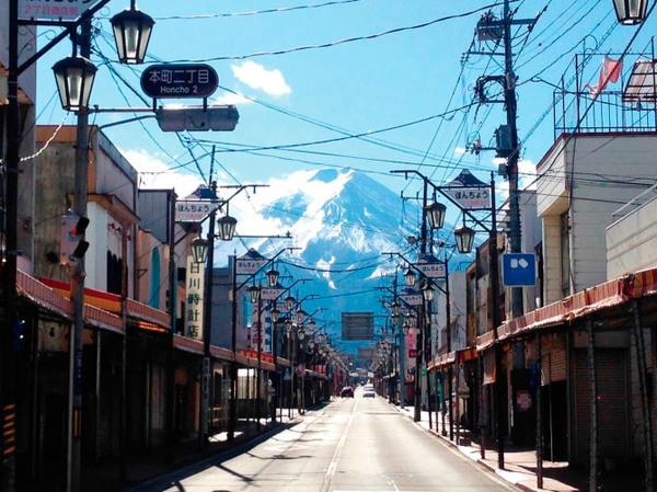 本町通りからの富士山