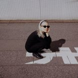 """""""自分が傷つけられたときに、それを相手に言えることが大事。今のバンド仲間とはそういうことが言い合える""""フィービー・ブリジャーズ インタビュー/ Interview with Phoebe Bridgers"""