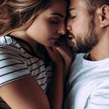 ガチ惚れすぎる…男性が本命彼女のためにしてしまうこと4選