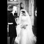 ヘンリー王子&メーガン妃、結婚1周年を迎え挙式の未公開画像を一挙公開<動画あり>
