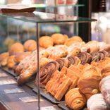 林修先生も驚いた「パン屋で活躍するAI」 売上4割増でレジも早くなる?