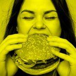 もえあず『マック大食い』生配信に大反響「こんなの見たことない!」