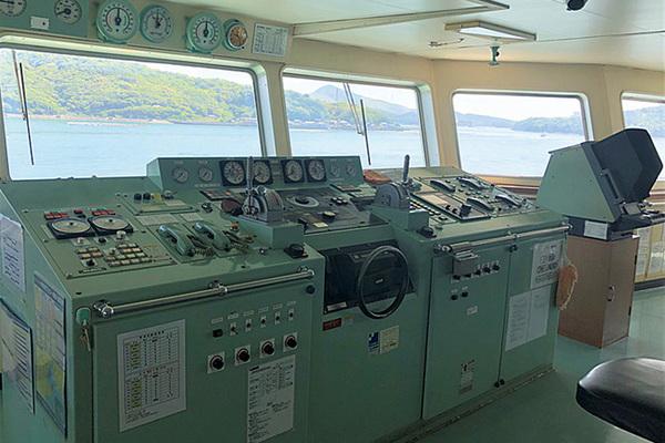 夏休み 操舵室見学&こども船長体験