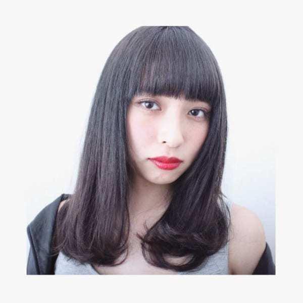 黒髪のワンレンミディアム⑤重めの内巻き