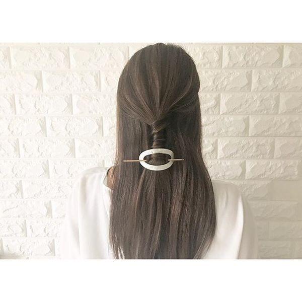 結婚式 髪型 飾り ハーフアップ3