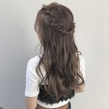 結婚式にはハーフアップの髪型がおすすめ♡大人のお呼ばれヘアスタイル特集