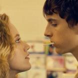 喪失感を抱えた少年の人生を変えた、あるひと夏の恋と友情