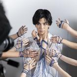 岩田剛典 顔のまわりに10人の手が…撮影は永瀬正敏