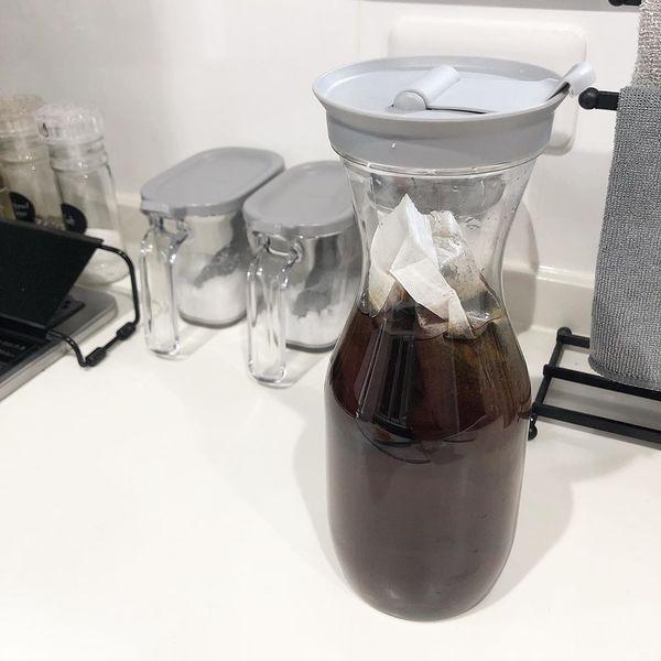 グレーの麦茶ポット