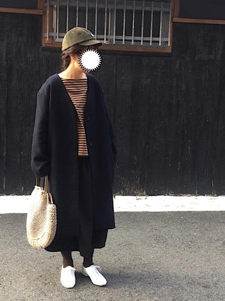 無印良品黒スカート×ボーダートップスコーデ
