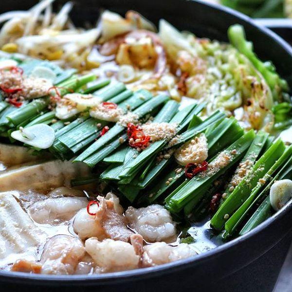 冬の定番人気ディナーに!ニラたっぷり料理もつ鍋