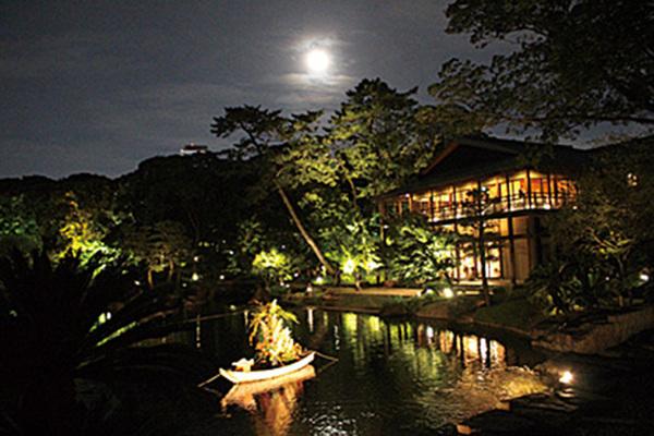 月を掬う 徳川園観月会