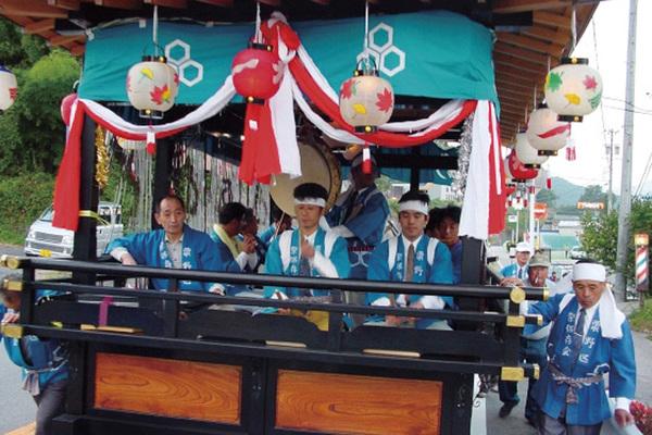 粟野の囃子屋台