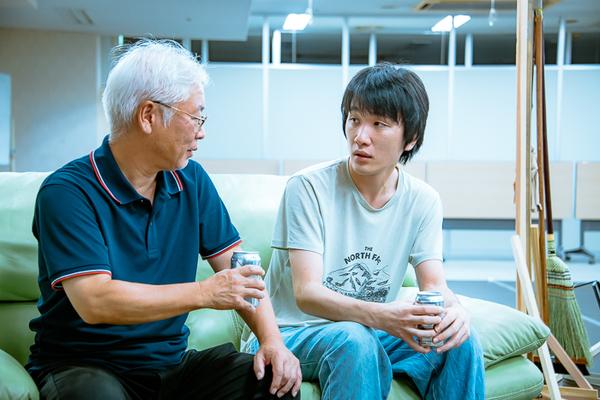 親子役を演じる五島ケンノ介と中村亮太(天ぷら銀河)