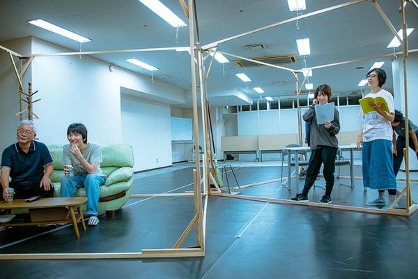 左から五島ケンノ介、中村亮太(天ぷら銀河)、児玉磨利(エンニュイ)、森谷ふみ(ニッポンの河川)、矢野昌幸