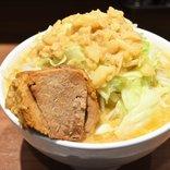 東京駅の「丼vs麺」全92メニューの頂点が決まる! インパクト勝負なら一騎打ちになりそうな両雄がコレだ