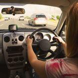高速道路のドライバーら仰天 巨大看板に映された映像に衝撃走る