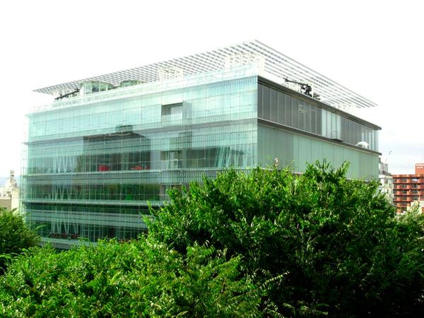 おしゃれな「図書館」仙台市民図書館